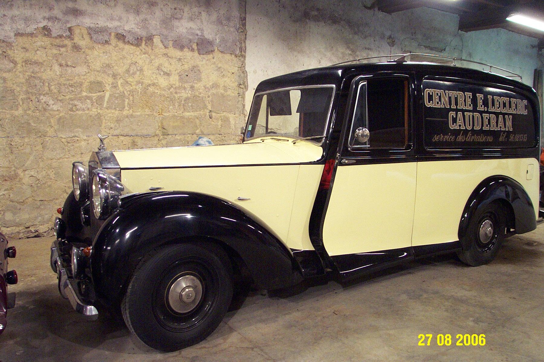 Rolls Royce. Ancien corbillard.
