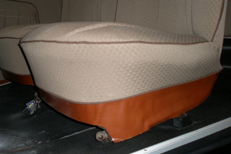Garniture de siège AV en cuir