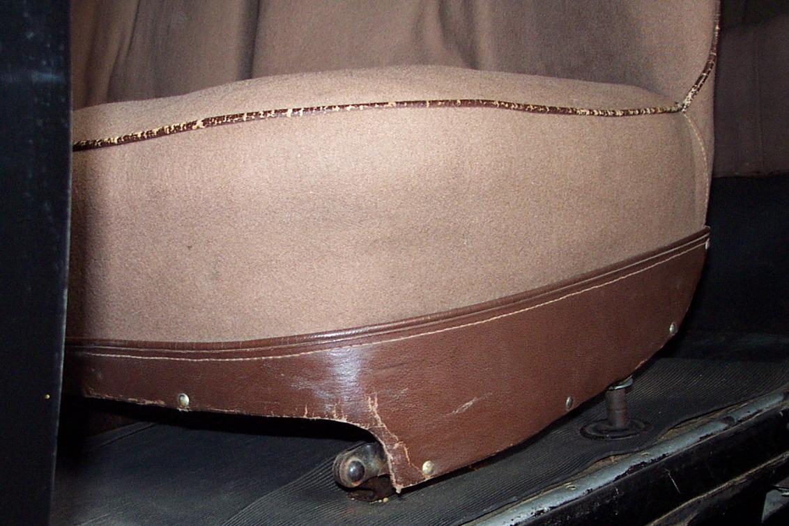 Garniture de siège AV en simili